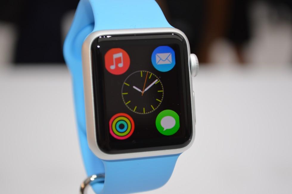 L'Apple Watch annoncée officiellement, les applis dédiées débarquent peu à peu sur l'App Store