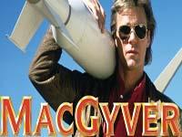 MacGyver ressort son couteau suisse